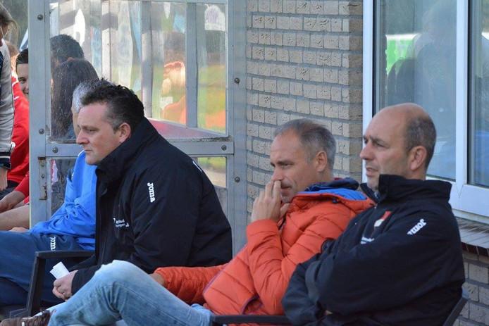 John Bentschap Knook (rechts) en Kees Westerweele (oranje jas) blijven bij RCS.