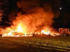 Twee caravans verwoest door vlammenzee in Oisterwijk