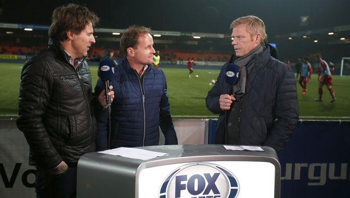 Foeke Booy (rechts) met Sipke Hulshoff (midden), interim-trainer van Cambuur.