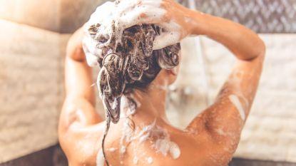 Waarom je je douche beter 5 minuten laat lopen als je terugkeert uit vakantie