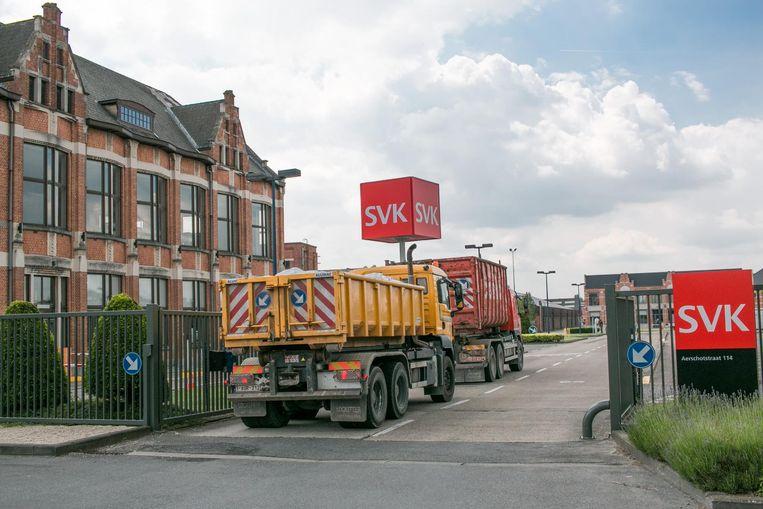 Het bedrijf SVK kondigt zélf aan dat het alle stortactiviteiten zal stopzetten. De veelbesproken stortplaats aan de Langhalsbeekstraat wordt nog verder opgevuld met niet-verontreinigde grond en dan afgesloten.