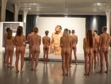Des visiteurs nus ont questionné leur rapport au corps au musée de la Boverie