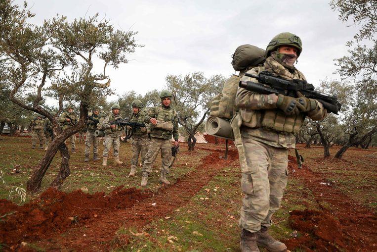 Soldaten van het Turkse leger, dat meteen tegenmaatregelen aankondigde.