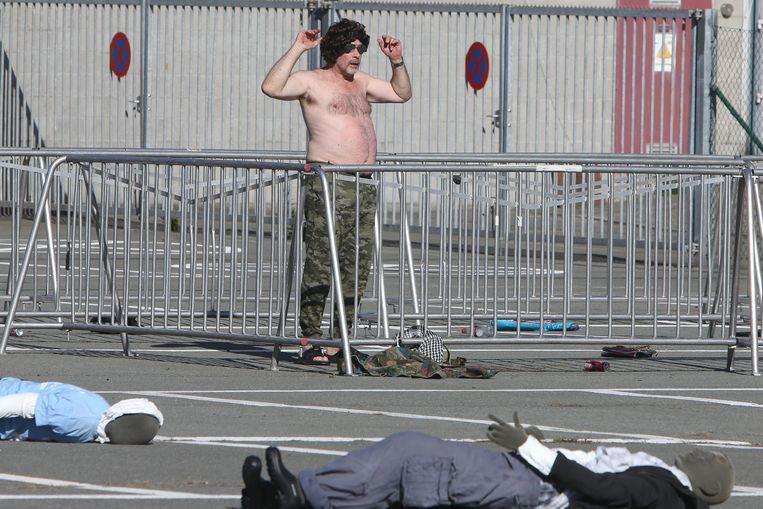 Grote oefening aan Flanders Expo in Gent door politie- en hulpdiensten bij terroristische aanslag. dader aanslag