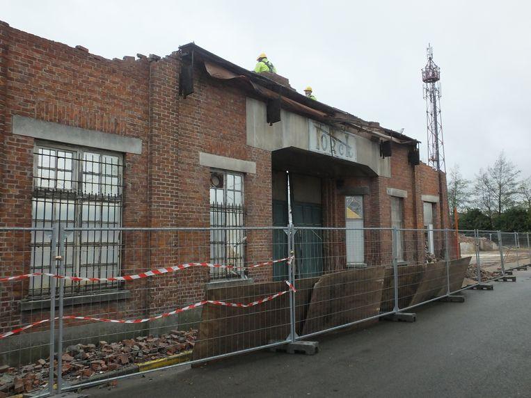 Vrijdagmiddag ging de laatste muur van de Torck-fabriek tegen de grond.