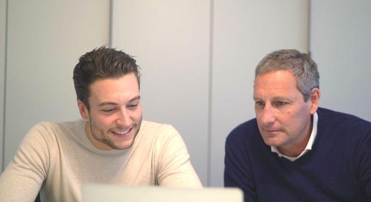 Gert en Viktor Verhulst lezen tweets.