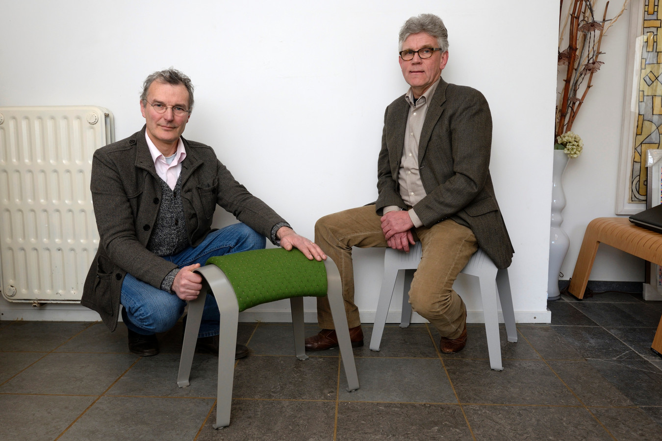 Ruud Jan Kokke (links) en Piet van Loon met de ZAMI.