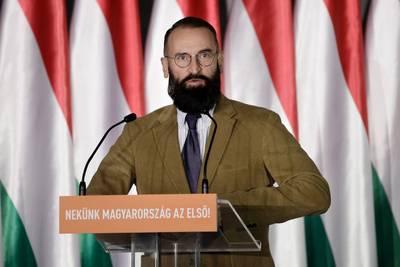hongarije-veegt-escapades-jozsef-szajer-onder--homoseksfeest-%E2%80%98te-pijnlijk%E2%80%99