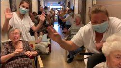 Ondanks de miserie: filmpje toont dat er ook nog mooie momenten zijn in woonzorgcentra