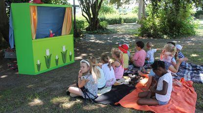 Picknick met verhaaltjes en poppenkast