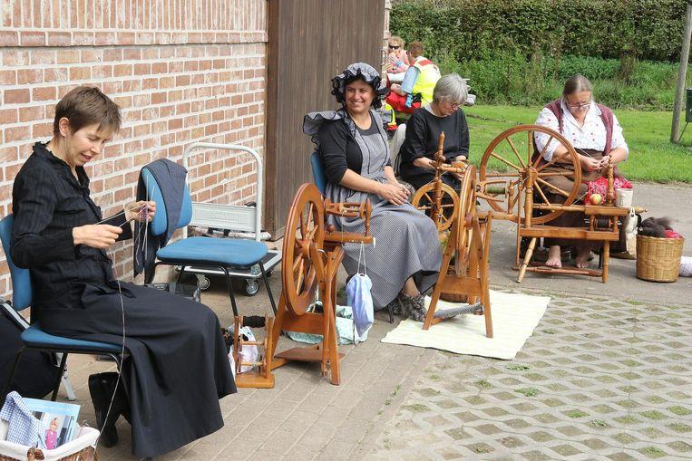 Ook kantklossers waren aanwezig.