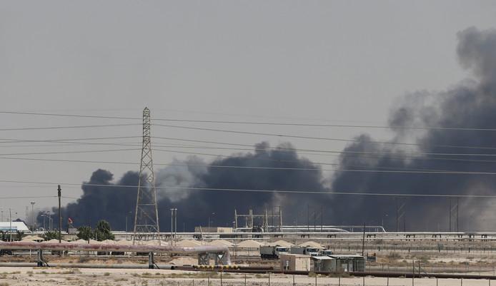 Ce samedi, des attaques contre l'usine d'Abqaiq et le gisement de Khurais ont stoppé la production saoudienne.