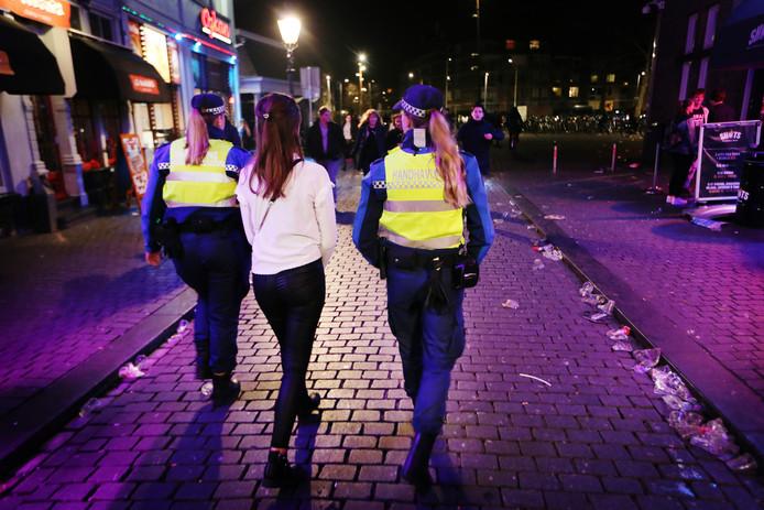 BREDA/OOSTERHOUT - Alcoholcontroles bij minderjarigen in de Bredase horeca in februari dit jaar. In Oosterhout zijn op 15 avonden Mystery Guests ingezet.