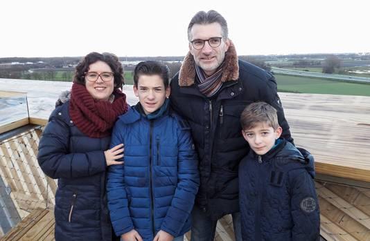 De familie Hopmans uit Halsteren op de top van de Pompejus.