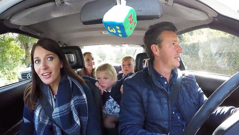In de uitzending is goed te zien dat niet iedereen een gordel draagt in de wagen.