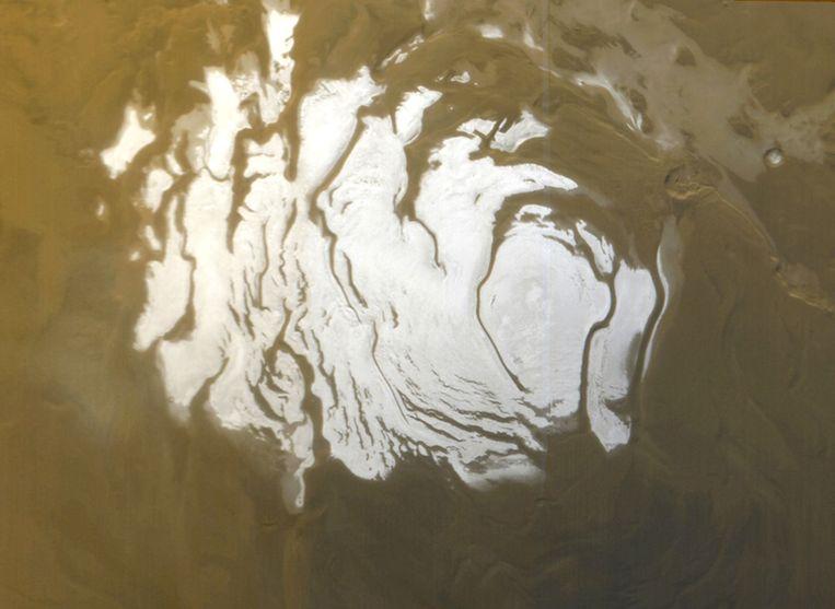 De zuidelijke poolkap van Mars. Het is daar dat het meer met vloeibaar water zich zou bevinden.