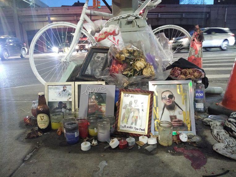 Monument voor Matthew Palacios, die werd doodgereden door een vuilniswagen. Beeld