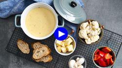 Dit is het geheim van een heerlijk smeuïge kaasfondue