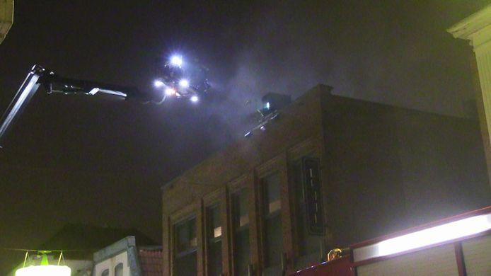 De brand brak uit op de verdieping, het gedeelte waar de wijnbar zit