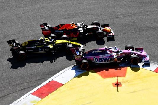 Max Verstappen met Nico Hulkenberg en Sergio Perez