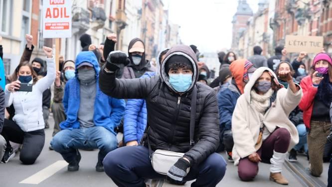 Tientallen jongeren en activisten voeren actie in Anderlecht voor Adil: tussen 80 en 90 aanhoudingen