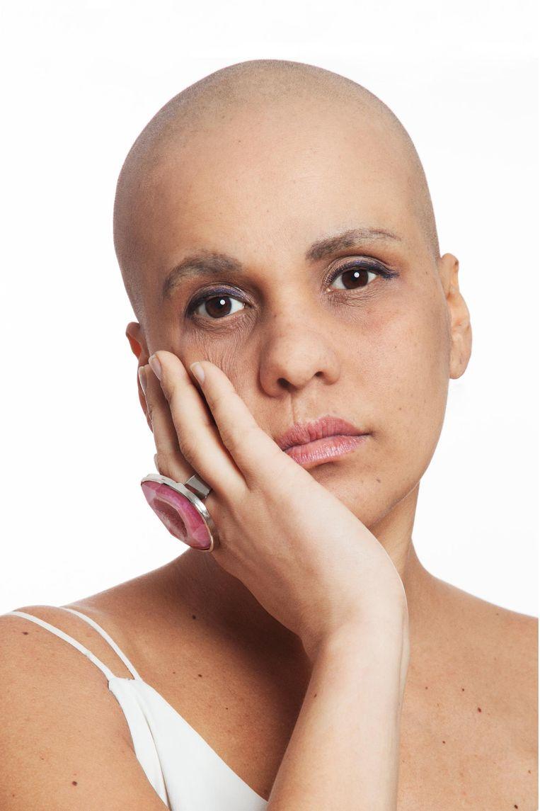 Bij Mariana Casella Dos Santos werd borstkanker ontdekt doordat haar moeder het ook had Beeld Carolien Sikkenk