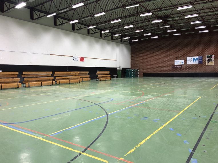 De huidige vloer in sporthal Rijschool.