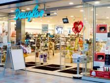 Douglas zwicht: hoofddoek personeel toegestaan in alle Europese winkels