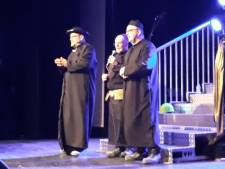 Bladel zittingsavond: avondvullende show voor De Muggezifters