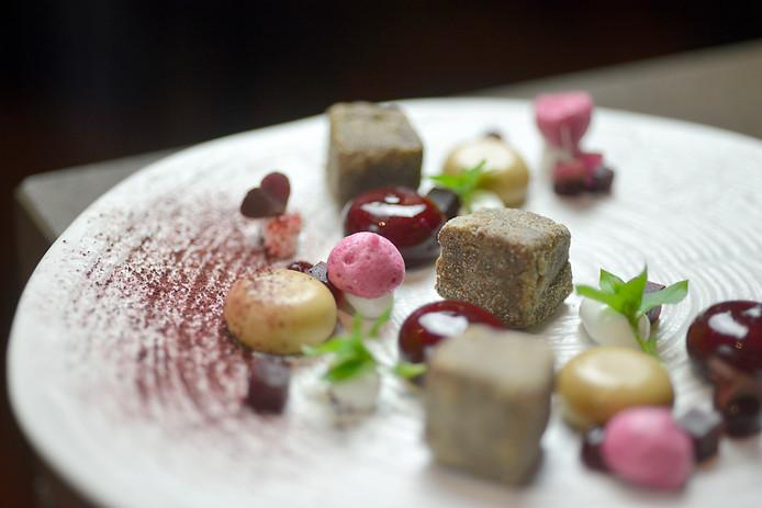 Het voorgerecht van chef-kok Erik de Mönnink van De Swarte Ruijter in Holten: balkenbrij.