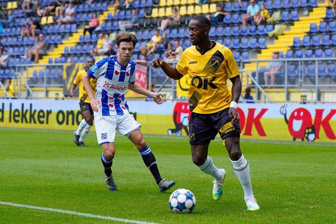 Torini Hunte tijdens Heerenveen - NAC.