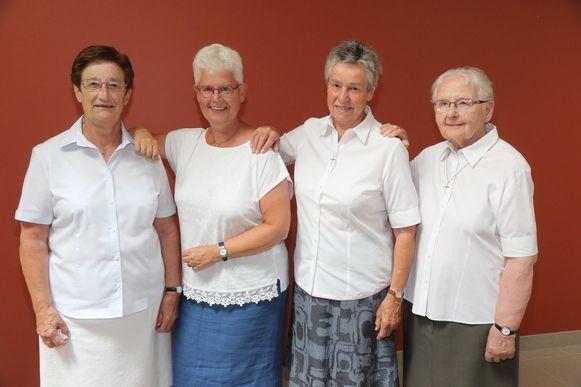 Zusters Vivian, Mieke, Liesbeth en Agnes.