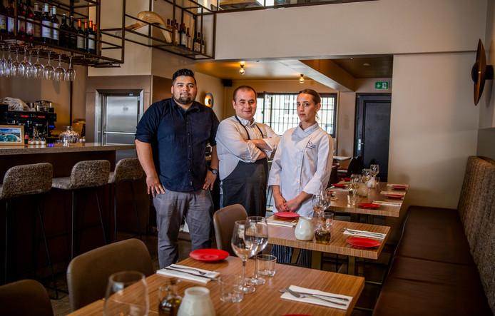 Jimmy Romeyn, Esteban Matinez Lamas en Sonja Marhinez (v.l.n.r.) van Euskadi. Een bezoekje leverde een knorrende maag op.