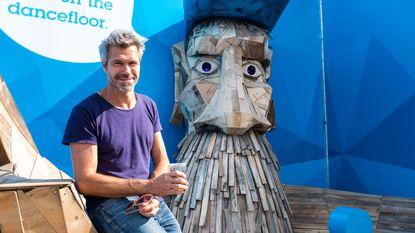 In de rij voor selfie met 'Woodman'-hipster