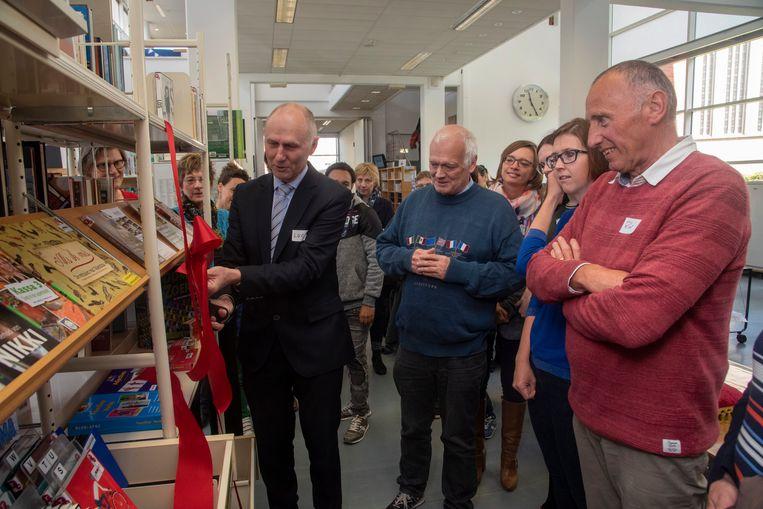 In de bibliotheek van Merelbeke is een Taalpunt Nederlands geopend waar anderstaligen hun Nederlands kunnen bijspijkeren.