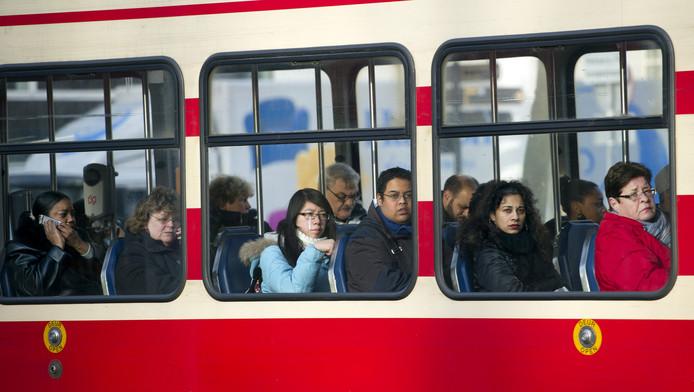Van Ypenburg naar station Delft kan over twee jaar zonder overstap.