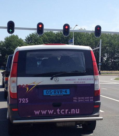 Overname failliete TCR zorgt voor problemen, gehandicapte moet twee uur wachten op vervoer