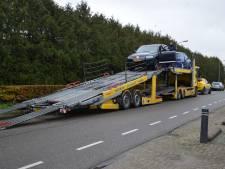 Gemist? Drie leden No Surrender opgepakt tijdens  politie-inval Steenwijk. En: Jan en Alie uit Klarenbeek keken 40 uur lang de dood in de ogen
