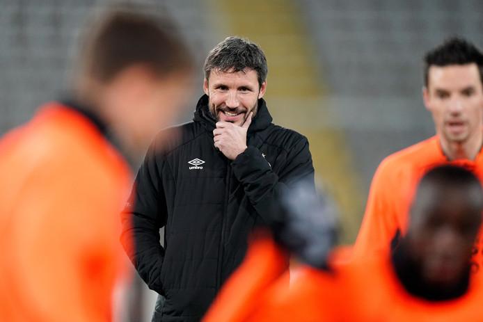 Mark van Bommel op het trainingsveld in Linz.
