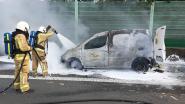 Bestelwagen uitgebrand op E313