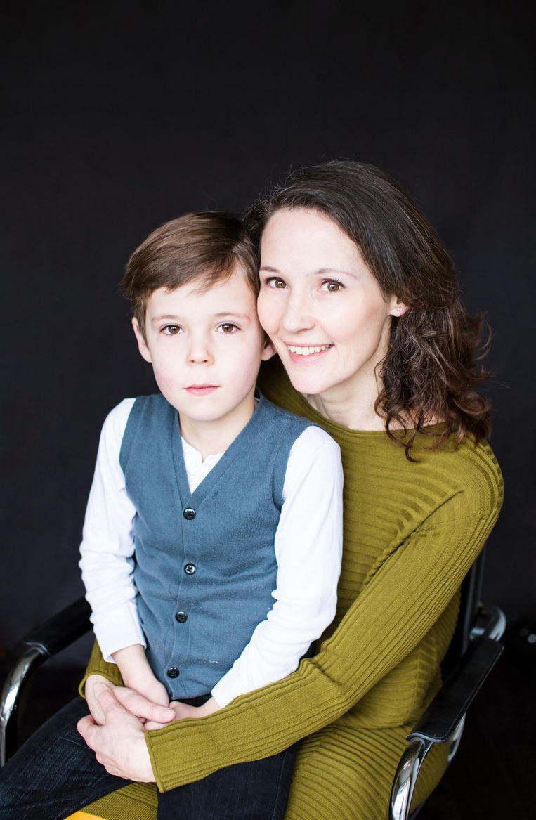 Emilie Franse en zoon Jules Beeld Eva Plevier