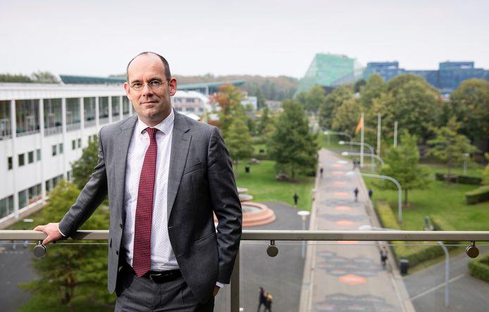 Rob Verhofstad, oud-student in Nijmegen, keert terug naar Gelderland voor een baan als topman bij de Hogeschool van Arnhem en Nijmegen.