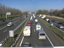 Files richting Zwolle door ongevallen op A28 en A50