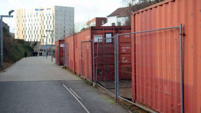 """Na anderhalf jaar nog steeds geen oplossing voor afvalcontainers op Locomotievenpad: """"NMBS vond geen akkoord met Ecowerf"""", zegt Thomas Van Oppens (Groen)"""
