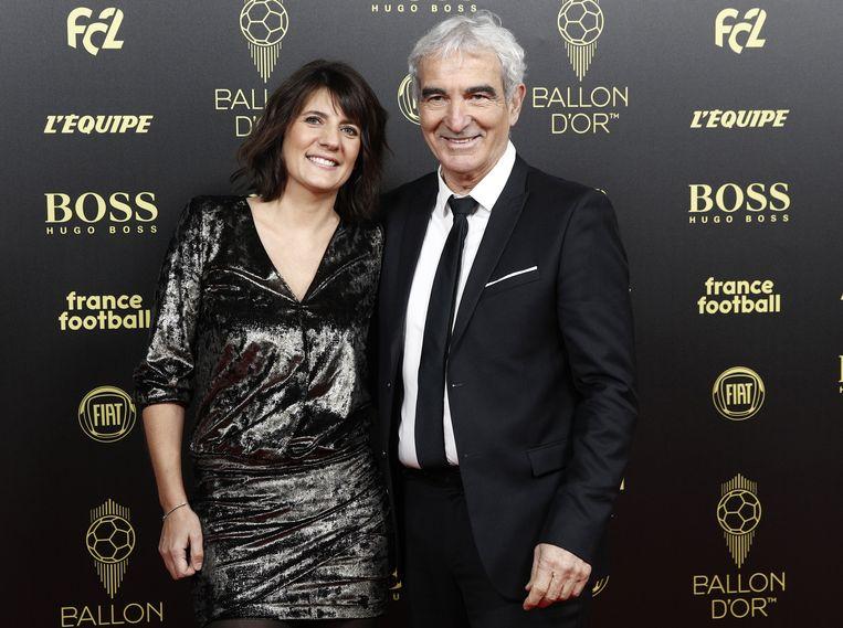 Voormalig Frans bondscoach Raymond Domenech en partner Denis Estelle, een Franse journaliste.