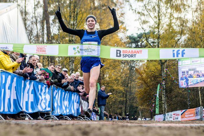 Warandeloop 2019:  Anna Emilie Moller uit Denemarken won bij de vrouwen.