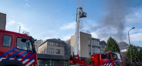 Geëvacueerde ouderen in Oosterhout brengen nacht elders door na brand in parkeergarage