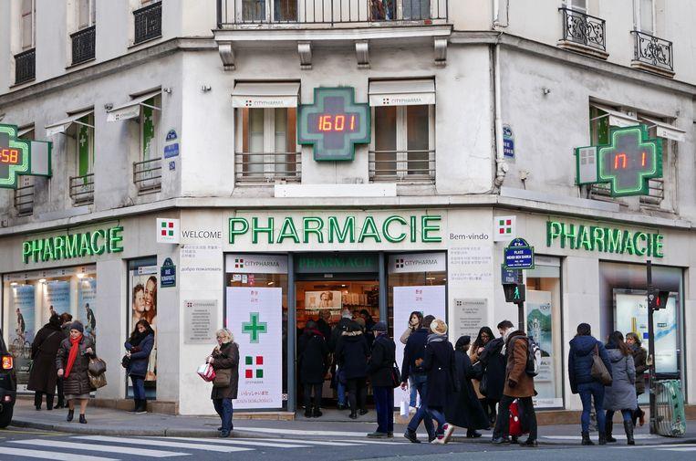 Bij de vele pharmacies komen al dan niet ingebeelde zieken ruimschoots aan hun trekken.  Beeld Imageselect