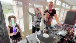 EXCLUSIEVE REEKS. #DitIsMijnKot, aflevering 3: Pat Krimson en Loredana houden muzikale quarantaine