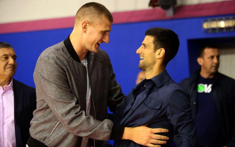 Jokic op 11 juni samen met Novak Djokovic in Belgrado.